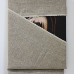 Peek, 2016, oil and linen on canvas, 43 x 28 cm